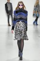 Модный женский свитер зима 2014-2015