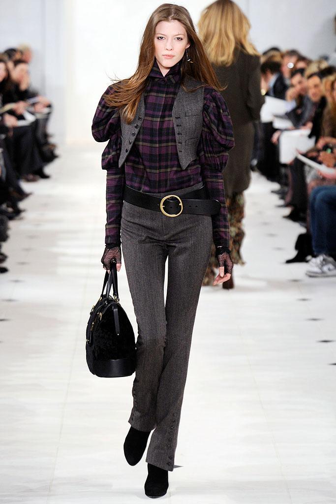 Деловой костюм женский: жилет и брюки