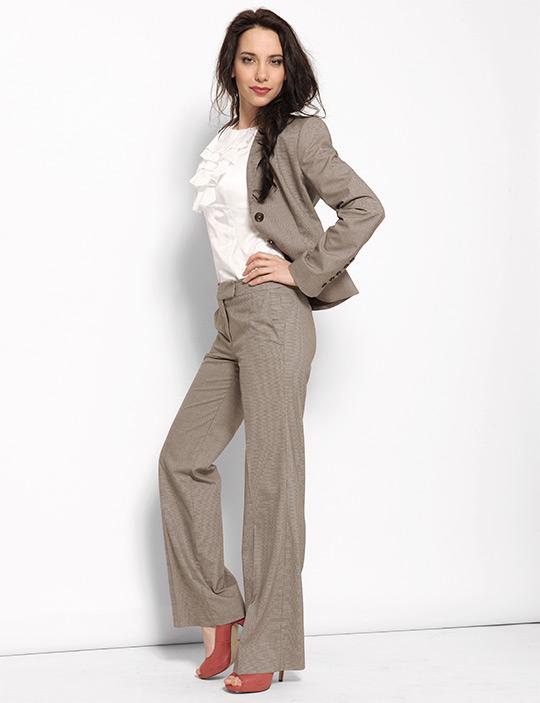 Женский офисный костюм серый