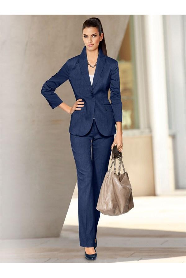Офисный костюм женский тёмно-синий