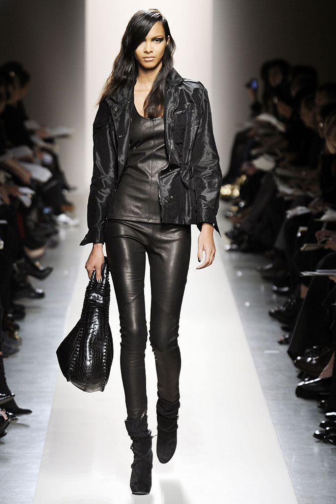 Женские кожаные брюки