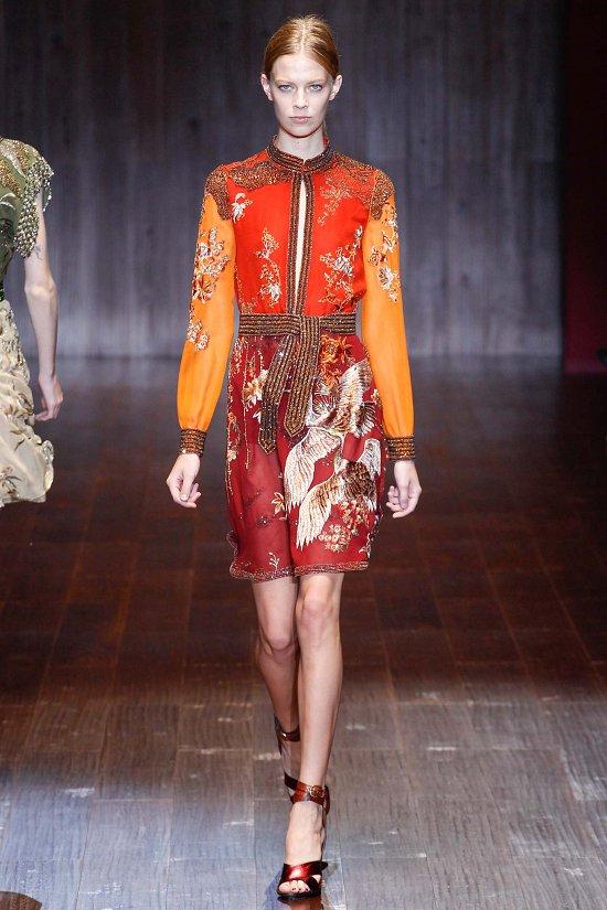 Платье красно-оранжевое