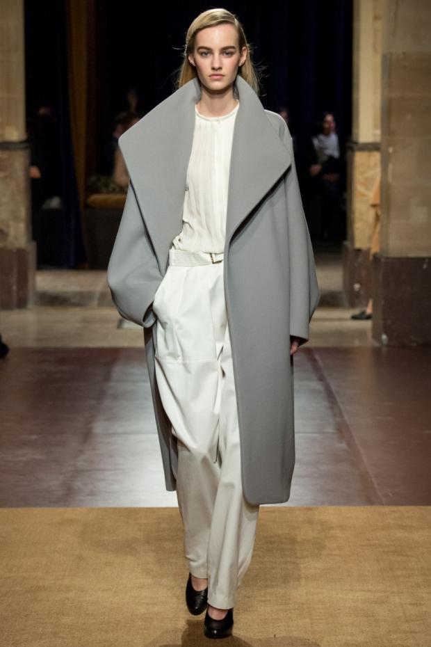 Женское пальто серое