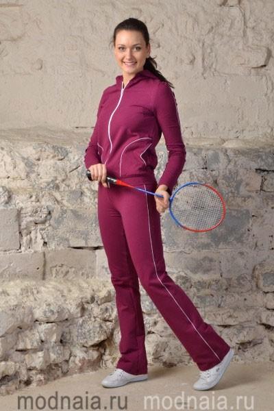 Женский спортивный костюм как образец практичности и удобства