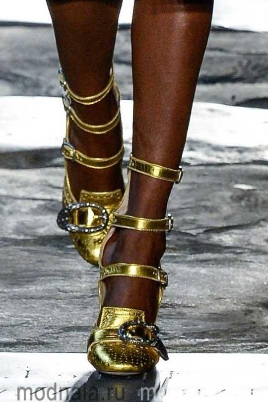 Женская обувь осень 2017, модные тренды на фото