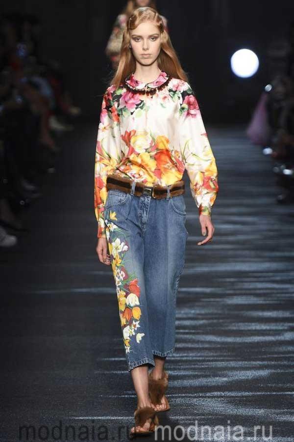 модные-тенденции-блузок-весна-2017-Blumarine