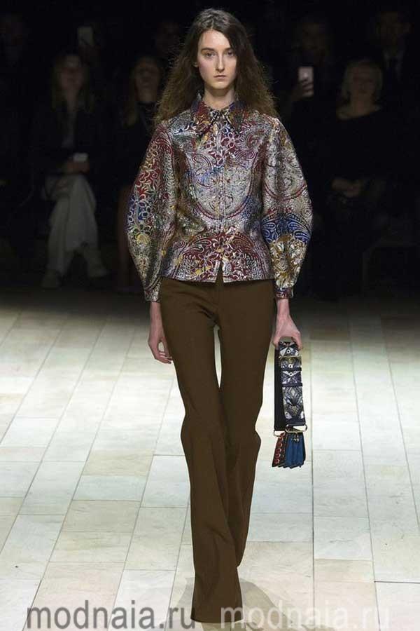модные-тенденции-блузок-весна-2017-Burberry