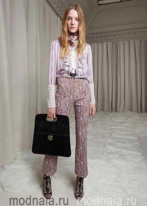 модные-тенденции-блузок-весна-2017-Giambattista-Valli