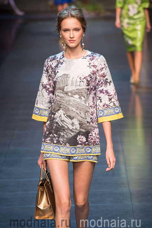 модные-тенденции-блузок-весна-лето-2017-года-Dolce-&-Gabbana