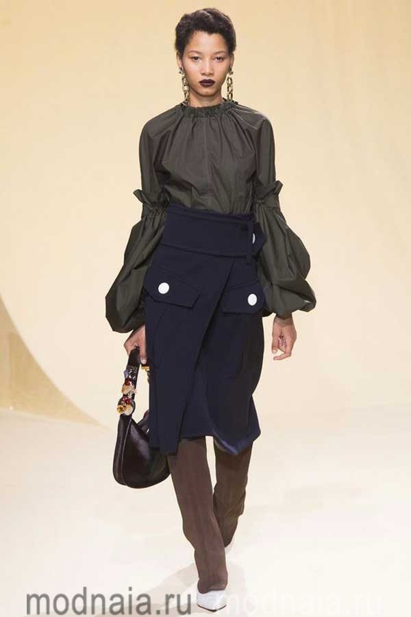 модные-тенденции-блузок-весна-лето-2017-года-Marni