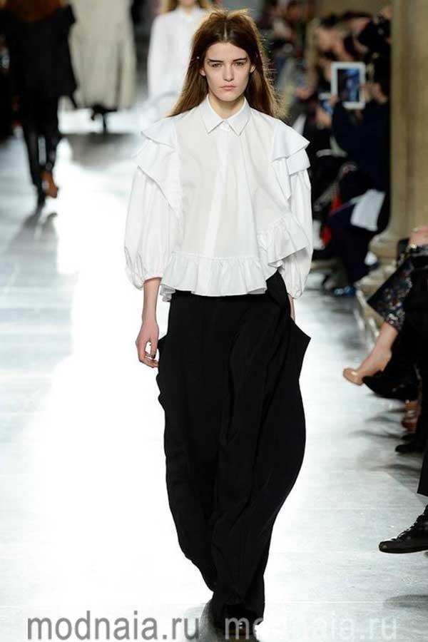 модные-тенденции-блузок-весна-лето-2017-года-Thornton-Bregazzi