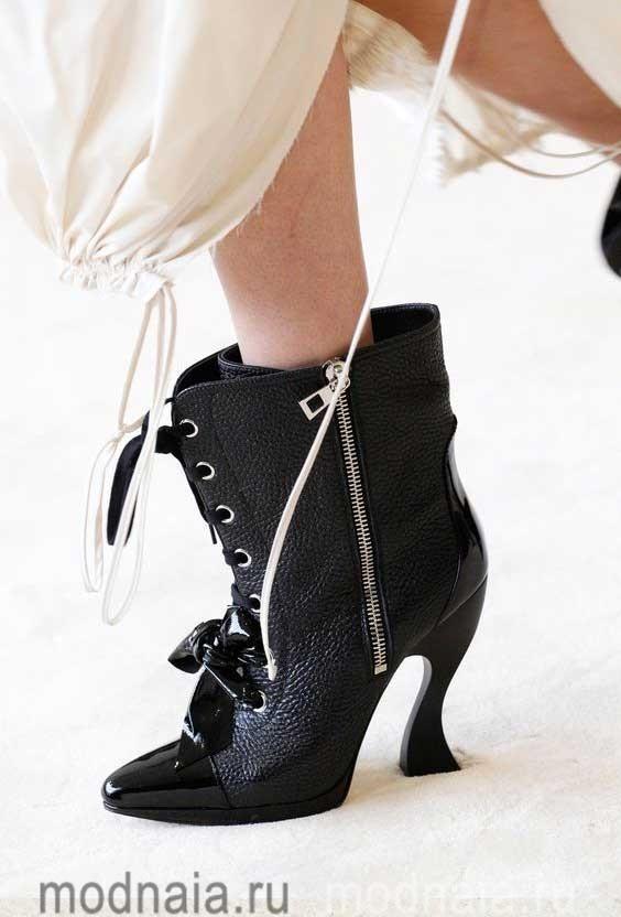 Женская обувь сезона осень 2017 годаЖенская обувь сезона осень 2017 года